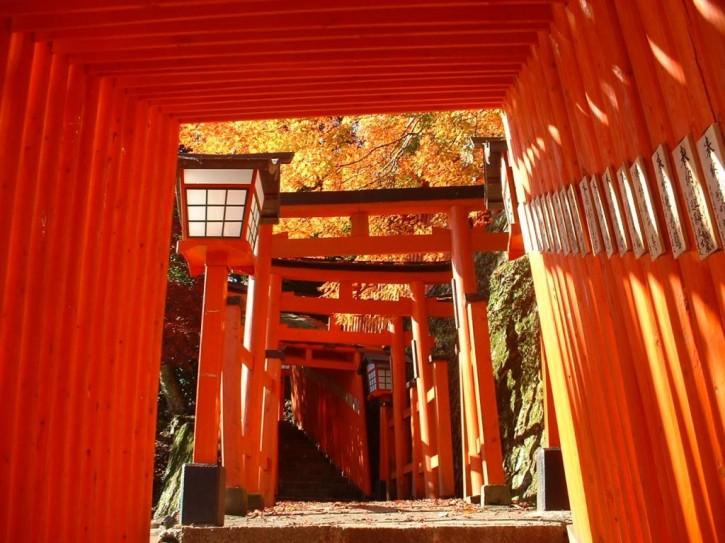 稲成神社参道(津和野町)